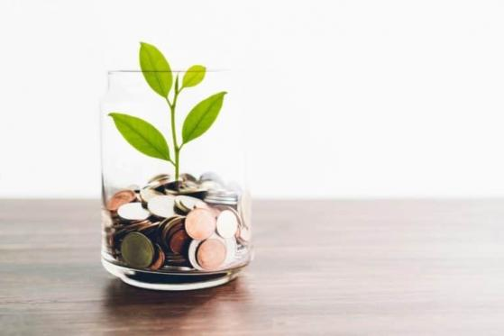 2 Top Canadian Banks to Add for Dividend Income